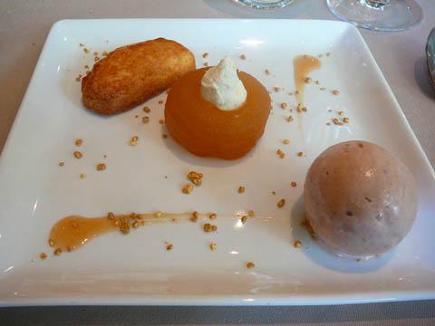 Pomme tatin et son sablé Breton, crème glacée à la cannelle