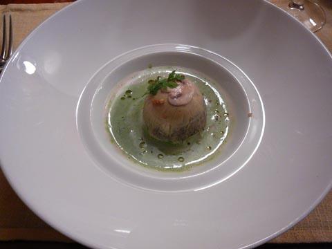 Gâteau de champignons au jus de persil