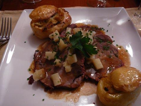 Rôti de porc au lard et au paprika