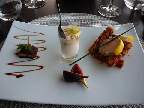 Tapas autour du foie gras : Foie gras au naturel, crème glacée au foie gras et pain d'épice, foie gras poêlé et figue