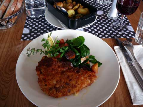 Brasserie de Montbenon . Cordon bleu de poulet fermier, jambon de campagne et fromage d'alpage de l'Etivaz
