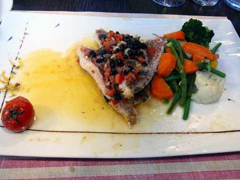 Snacké de filets de rouget à la méditérranéenne