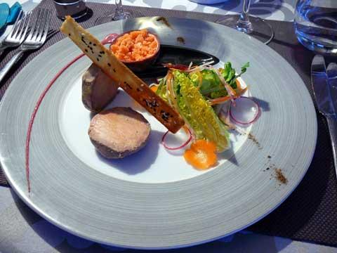Foie gras de canard mi-cuit, granité maracuja