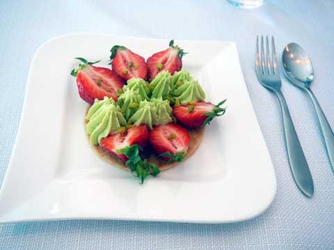 Tartelette à la mara des bois et pistache