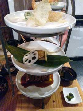 Sakagura : Tempura (crevettes, poissons et légumes), morue grillée, filet de boeuf