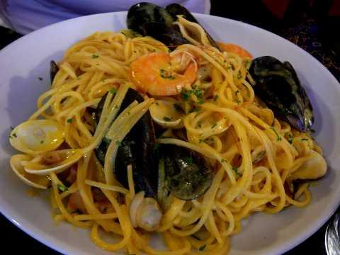 Spaghetti aux gambas et vongole