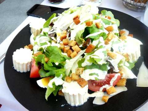 Salade César au tofu soyeux