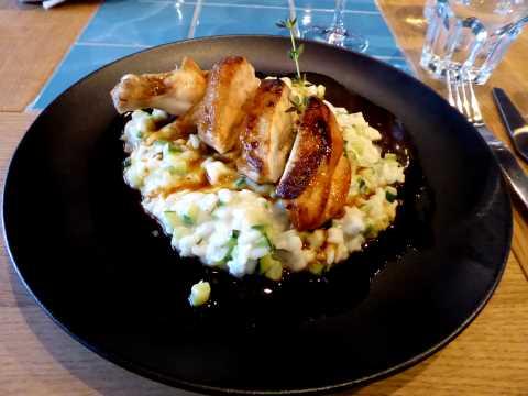Suprême de poulet, risotto aux courgettes