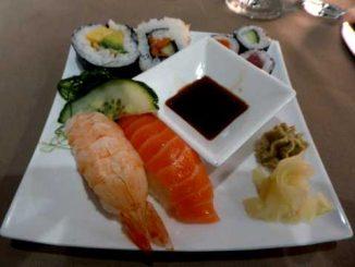 Petite assiette de sushis