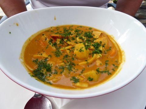Curry de volaille façon thaï, carotte, grenaille, bambou et riz