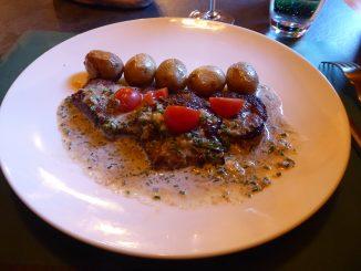 Steak de cheval, pommes grenailles