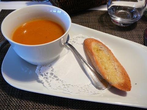 La soupe du marché et petits croûtons à l'ail