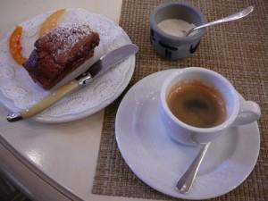 Mignardises, café et double crème de Gruyère