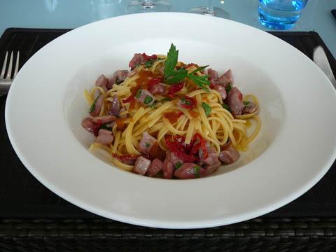 Linguine au thon, poutargue de Sardaigne et tomates confites