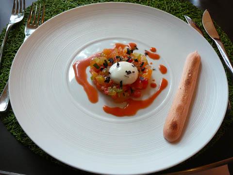 La baguette à l'air de tomate, bille de buffala, jardin de tomates anciennes