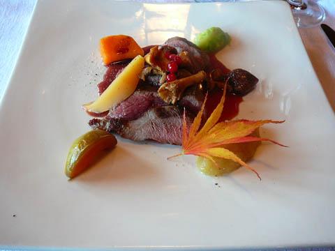 Escalope de chevreuil, jus aux poires