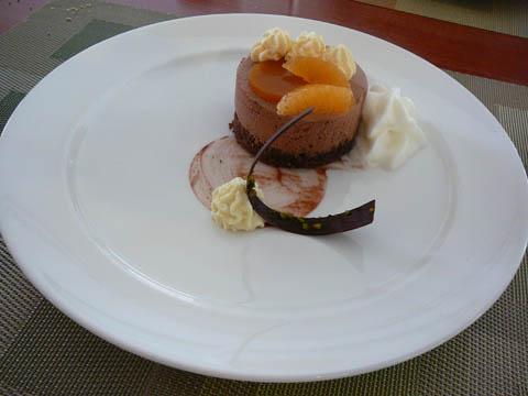 L'entremet aux deux chocolat et mandarine fraîches, mousseux Cointreau
