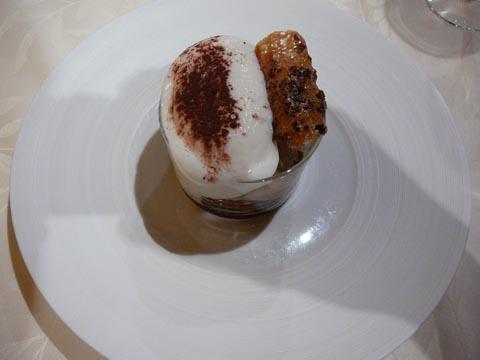 Cappuccino glacé ricoré, dentelle au grué de cacao