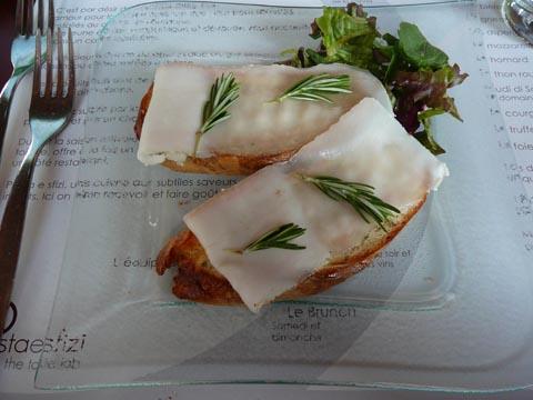 Crostini au miel et lard de Colonnata