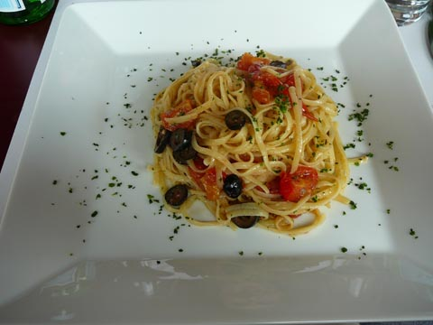 Linguine puttanesca