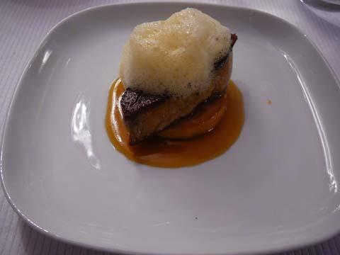 Foie gras ultra frais en escalope poêlée, pomme passion