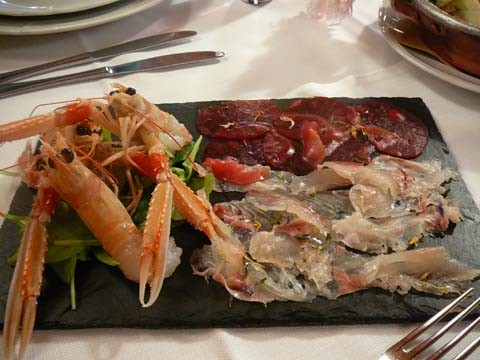 Carpaccios de thon sicilien et crevettes roses, langoustines crues