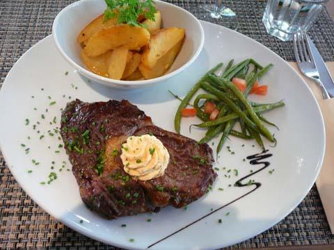 Entrecôte de bœuf parisienne