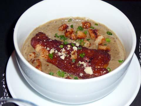 Potage de lentilles de Sauverny et escalope de foie gras poêlée