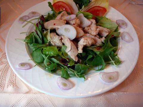 Salade au poulet à la mode thaï