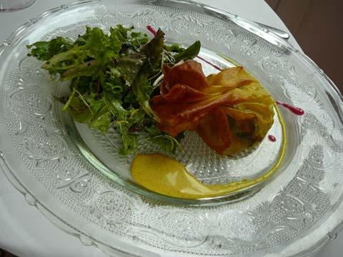 Aumônière de moules et choux chinois, crème de curry