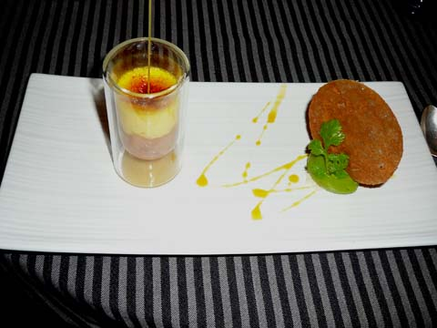 Crème brûlée au safran compote de poire, sorbet coriandre « Arlette », croustillante au sucre