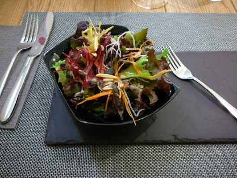 Salade de mesclun croquant du Yatus à Fribourg