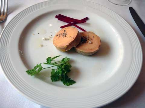 Foie gras au torchon et sa brioche