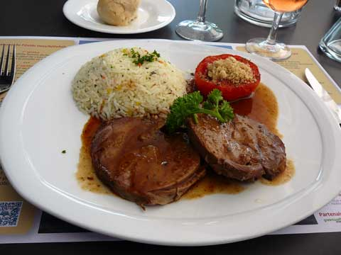 Gigot d'agneau aux 5 épices, riz aux légumes