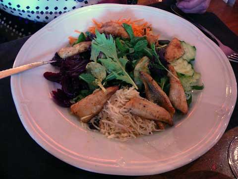 Salade de Saison et Filets de Perche