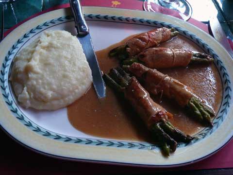 Involtini di pollo con asparagi et taleggio