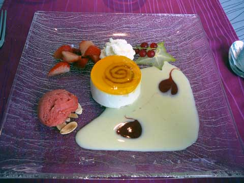 Mousse d'ananas, sorbet orange sanguine