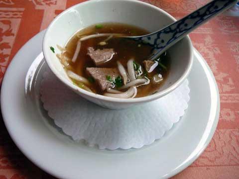 Soupe de nouilles au canard