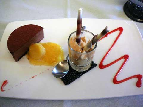Truffé chocolat amer sur ses coulis