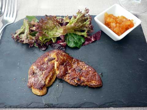 Foie gras poêlé, chutney aux fruits exotiques