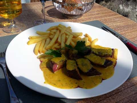 Entrecôte de bœuf (200 grammes), sauce Café de Paris, pommes frites