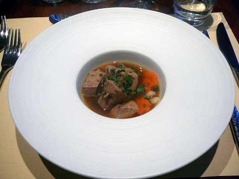 """Auberge du Peccau : Pot au feu de foie gras, bouillon """"façon Hakata"""""""