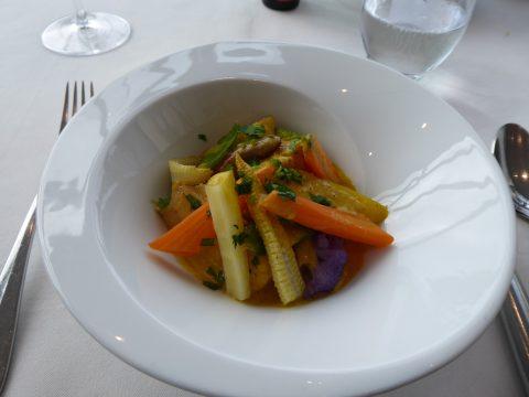 Bourride de lotte à l'aïoli, légumes croquants