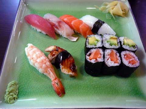 Kisaku Sushi Genève : Assortiment mixte Nigiri-Hosomaki 12 pièces