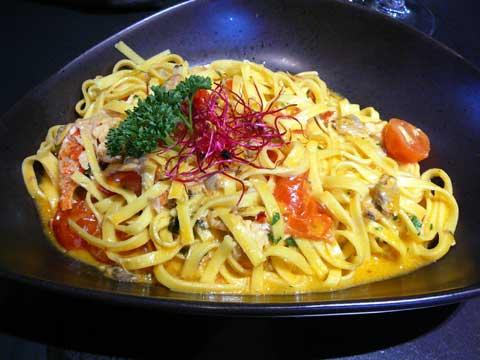 Tagliatelle au homard et aux fruits de mer