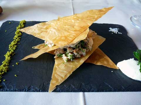 Millefeuille croustillant de crabe à la mousseline d'artichaut