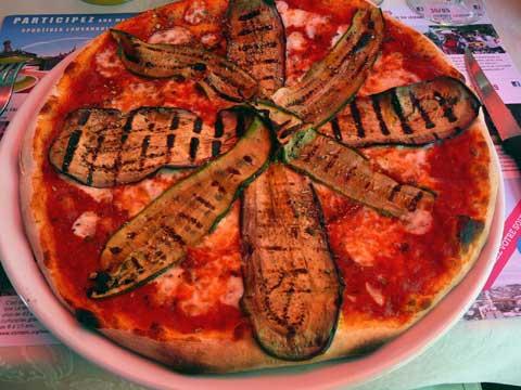 Pizza Ortolana : tomates, courgettes, aubergines