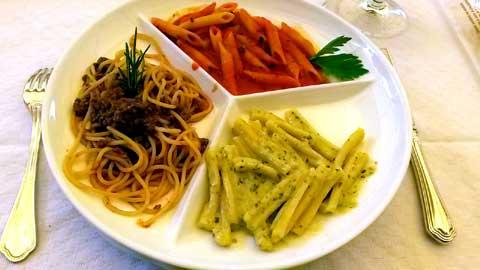Trio de dégustation : spaghetti bolognese, penne piquantes, casarecce au pesto