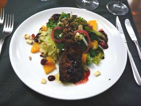 Foie gras poêlé et saladine d'hiver