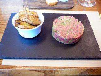 Tartare au couteau et pommes de terre country